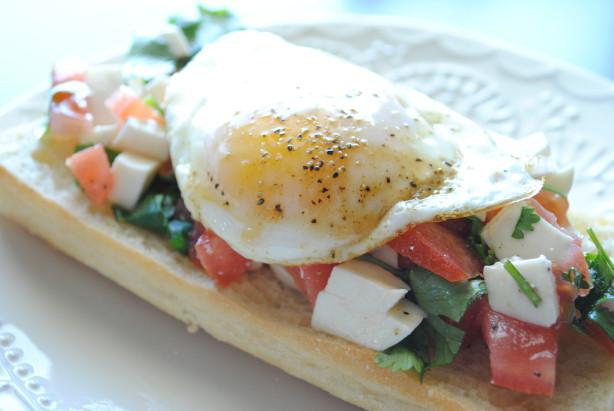 Open-Faced Fried Egg, Tomato, Mozzarella, and Cilantro Salsa Sandwich ...