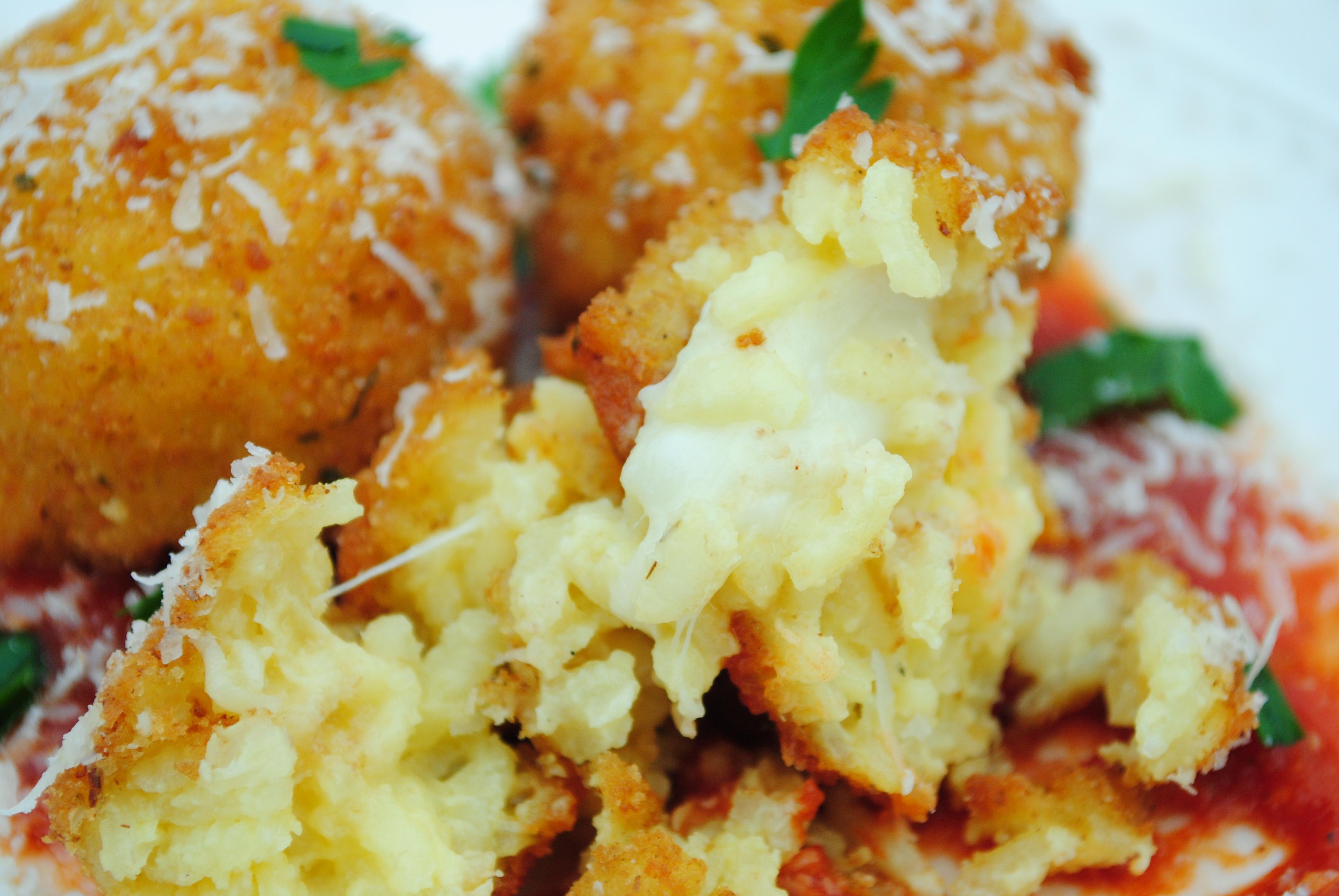 Saffron Arancini (Rice Balls) Stuffed w/Fresh Mozzarella ...