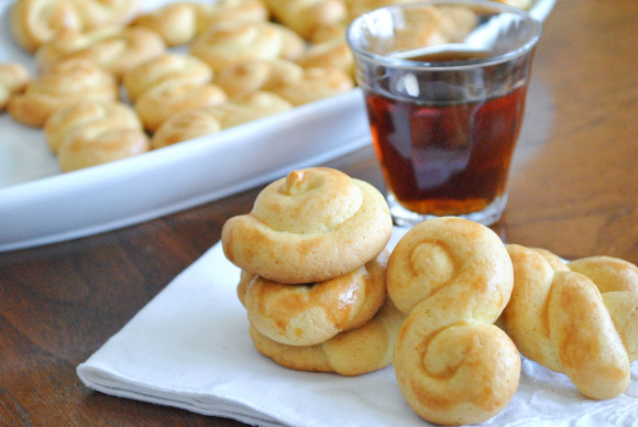 Koulourakia - Greek Easter Cookies - Mediterranean Baby (17)