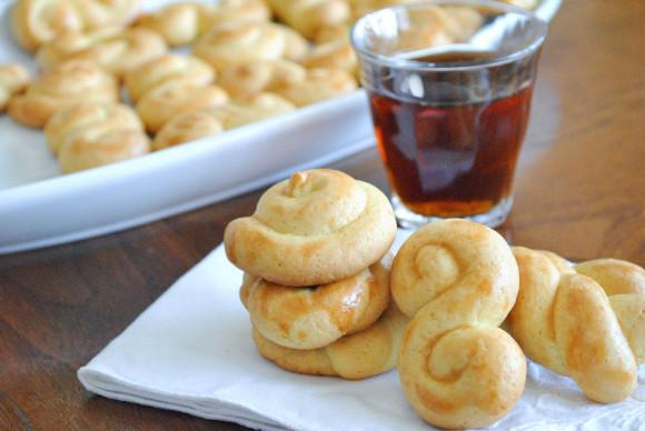 Koulourakia: Greek Easter Cookies - Mediterranean BabyMediterranean ...