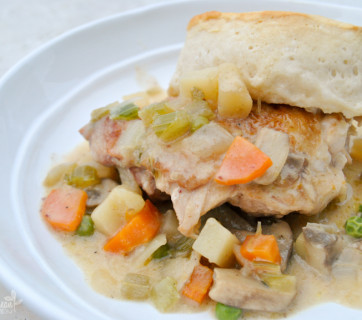 Easy Skillet Chicken Pot Pie with Biscuits Mediterranean Baby (6 of 6)